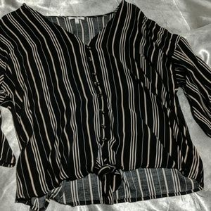 Maurices xxl super cute top stripes tie front